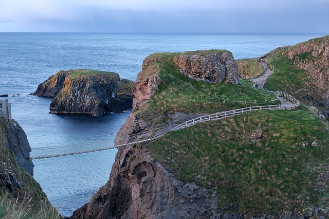 Carrick-A-Rede Rope Bridge in Northern Island that links the mainland to the small island of Carrickarede.