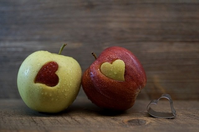 Apples with hearts for Valentines Day!