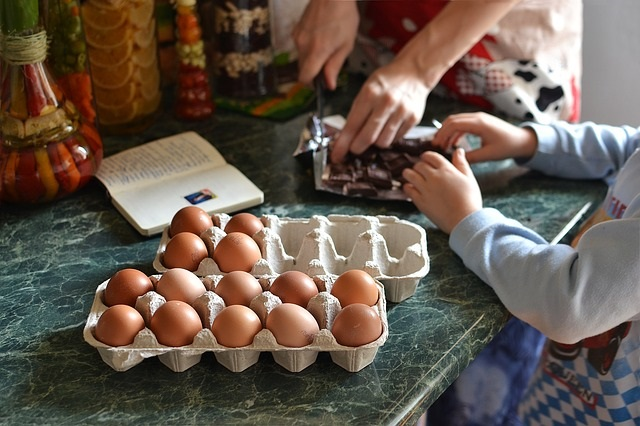 Tips on teaching your kids healthy cooking!