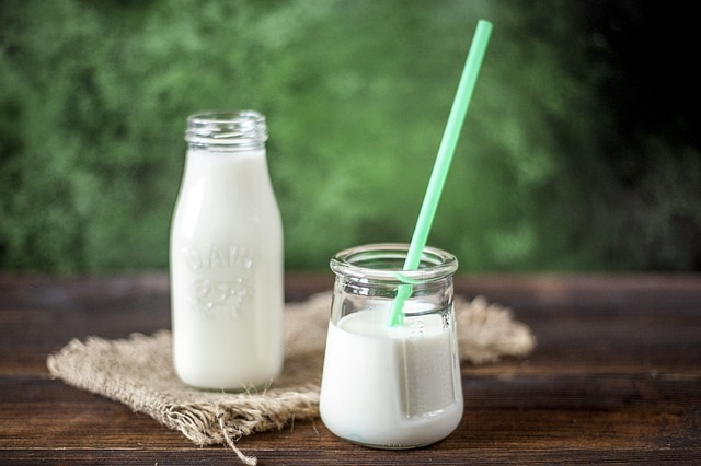 The Month of June is National Dairy Month! Our Healthy Diet Habit Tip of the Day is looking at the Dairy Guidelines and Tips that the USDA recommends and our recommendations.